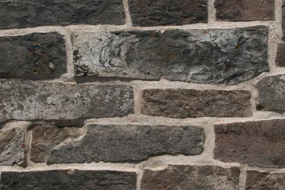 Creative Mines Natural Stone Veneer - Andiron Quarry Farmhouse Ledge
