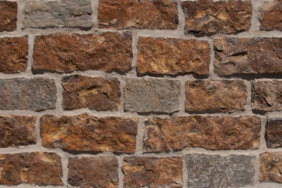 Creative Mines Natural Stone Veneer - Cayenne Quarry Ranch Ledge