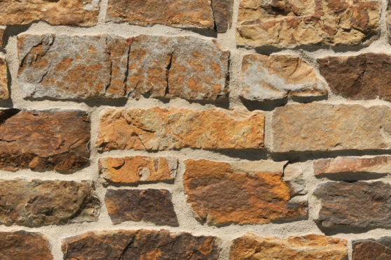 Creative Mines Natural Stone Veneer - Copperhead Quarry Ranch Ledge