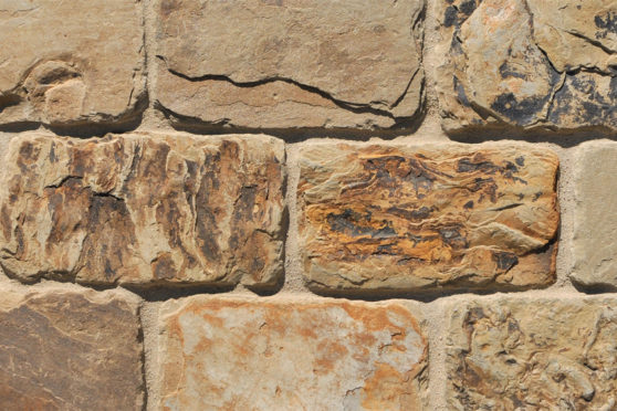 Creative Mines Natural Stone Veneer - Cornhusk Quarry Barn Ledge (tumbled)