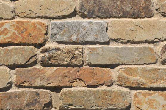 Creative Mines Natural Stone Veneer - Cornhusk Quarry Cottage Ledge (tumbled)
