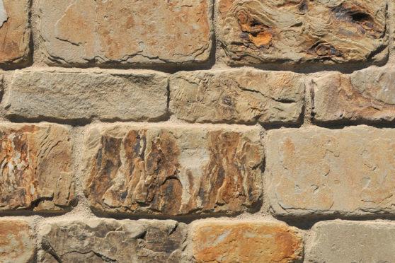 Creative Mines Natural Stone Veneer - Cornhusk Quarry Ranch Ledge (tumbled)
