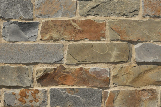 Creative Mines Natural Stone Veneer - Shadow Quarry Ranch Ledge