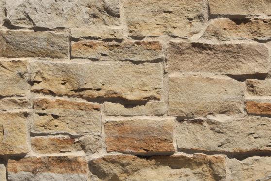 Creative Mines Natural Stone Veneer - Tumbleweed Quarry Cottage Ledge